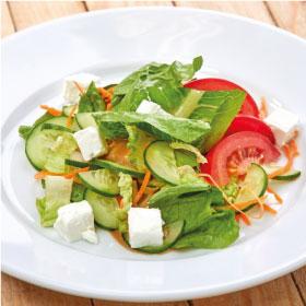 Салат с рассольным сыром
