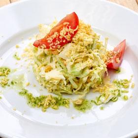 Салат из капусты с майонезно-горчичным соусом