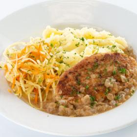 Котлета с соусом Демиглас с луком и картофельным пюре